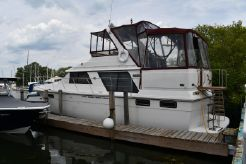 1986 Carver 4207 Motor Yacht