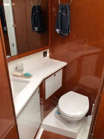 2016 Beneteau Brokerage Broker