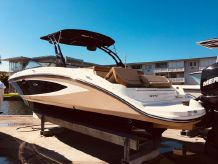 2015 Sea Ray 270 Sundeck Outboard