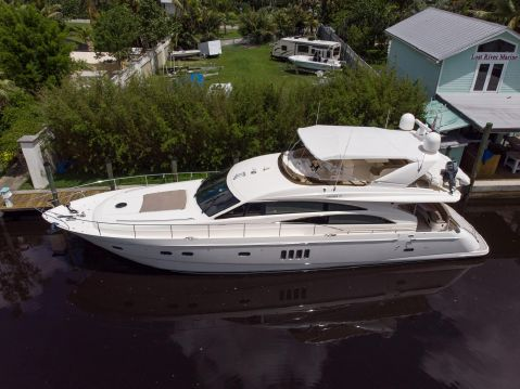 "2007 Princess 67 Flybridge - 2007 67' Princess Yacht ""Starchaser"" Profile"