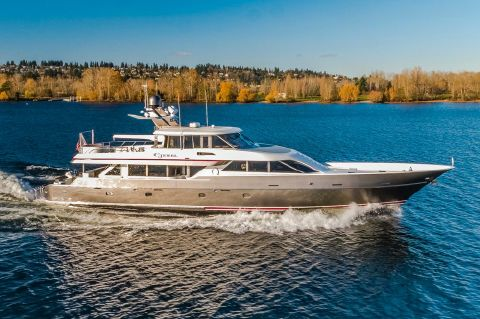 2003 Nordlund Pilothouse - Beautiful lines underway