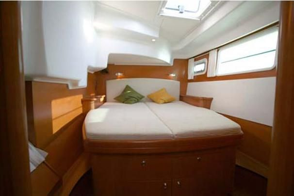 Manufacturer Provided Image: Port Cabin