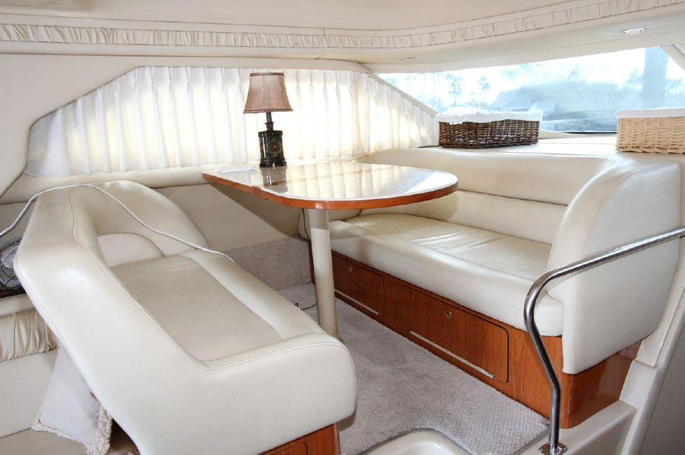 40 Sea Ray Sedan Bridge Dinette