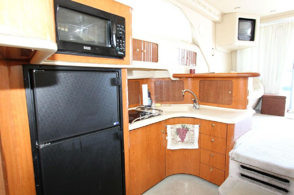 40 Sea Ray Sedan Bridge Galley