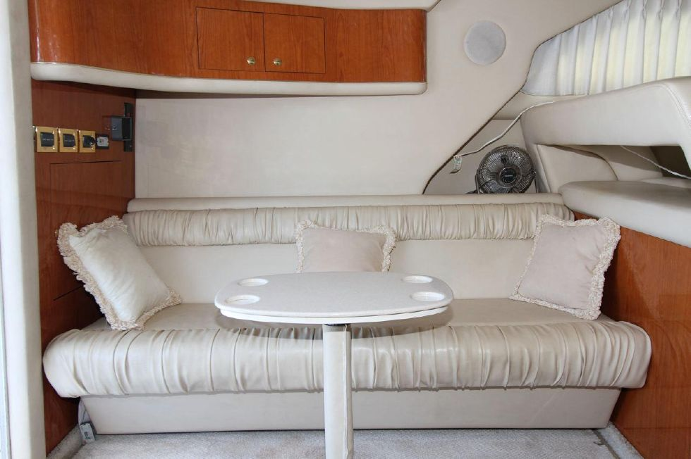 40 Sea Ray Sedan Bridge Settee
