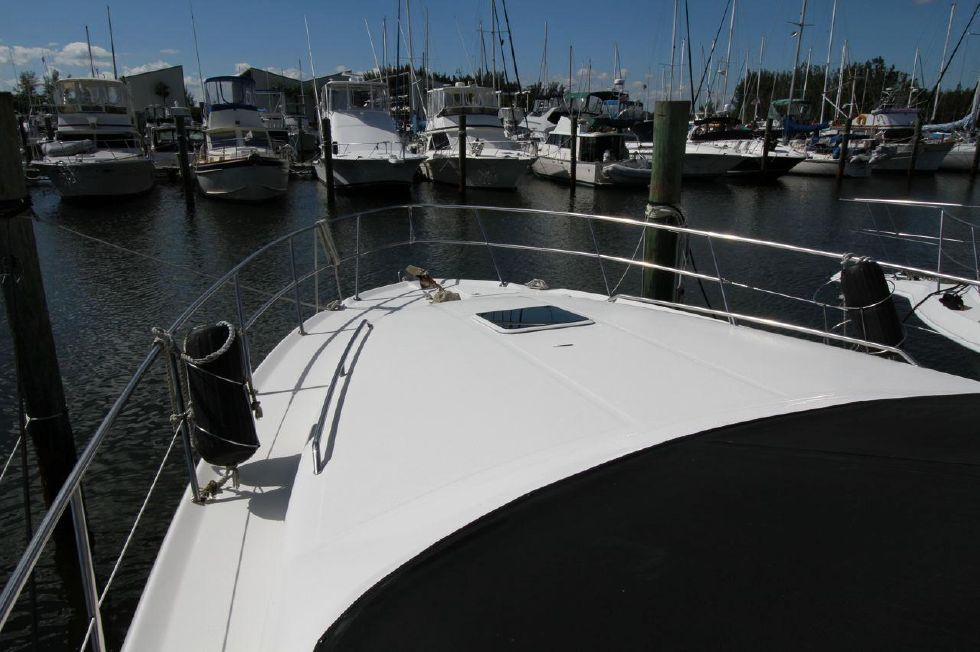 40 Sea Ray Sedan Bridge Forward Deck