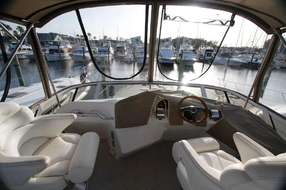 40 Sea Ray Sedan Bridge New Stratoglas Panels w/bimini top
