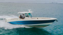 2018 Boston Whaler 35 Outrage