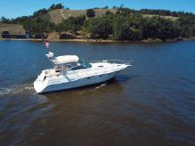 1989 Cruisers Yachts 3670 Esprit