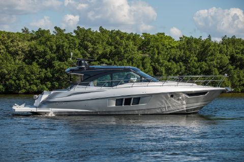 2017 Cruisers Yachts 45 Cantius Black Diamond - Cruisers 45 Cantius 2017 - Profile