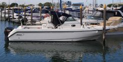 2000 Boston Whaler Conquest 280