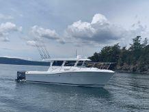 2020 Ocean Sport Roamer 30' Outboard