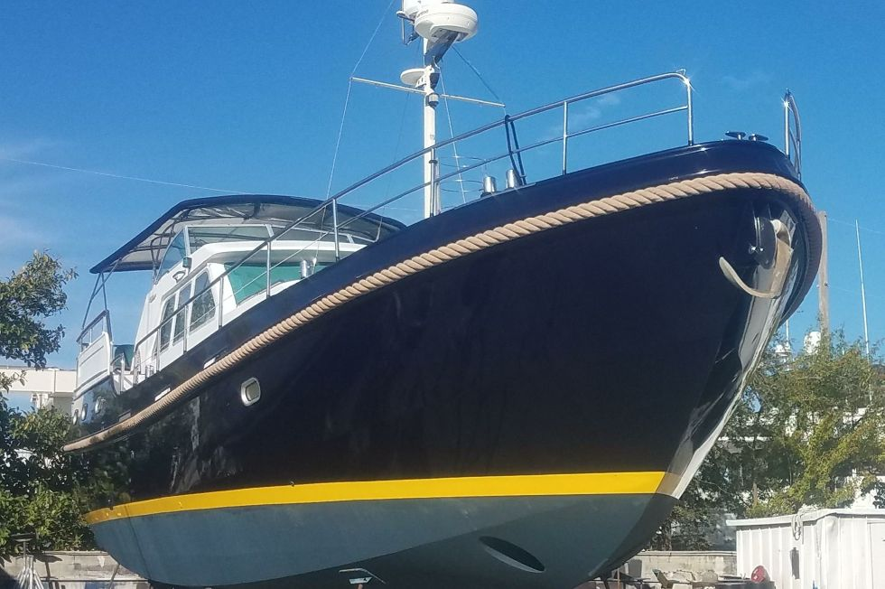 2002 Linssen 470 Grand Sturdy - Starboard Bow (on the hard January 2019)