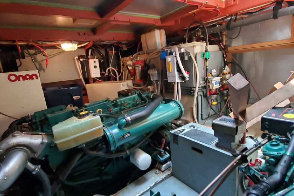 2002 Linssen 470 Grand Sturdy - Engine Compartment (port)