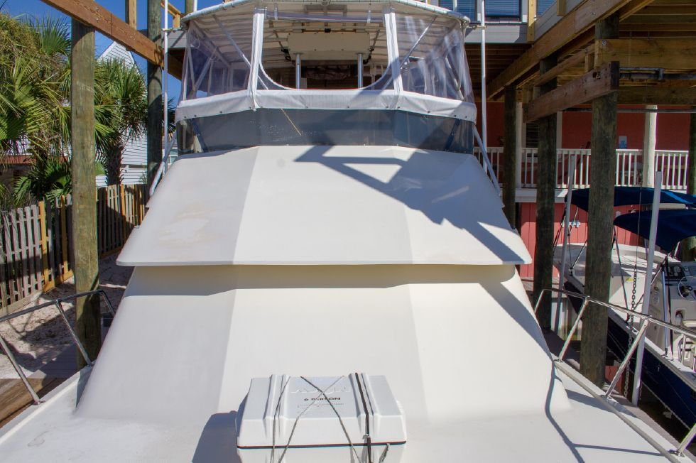 1987 Hatteras 1987 41 Convertible - Looking Aft