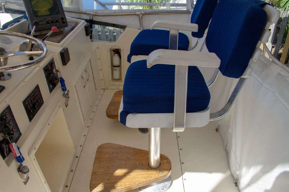 1987 Hatteras 1987 41 Convertible - Newer Upholstery