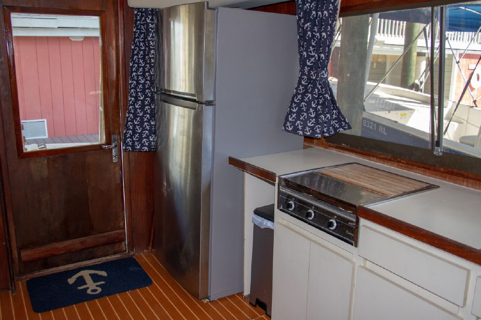 1987 Hatteras 1987 41 Convertible - Galley With New Refrigerator