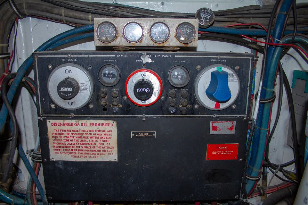 1987 Hatteras 1987 41 Convertible - Engine Room Panel