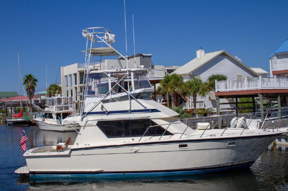 1987 Hatteras 1987 41 Convertible - Starboard Side