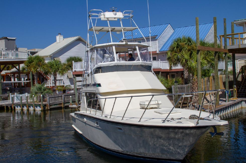 1987 Hatteras 1987 41 Convertible - Starboard Bow