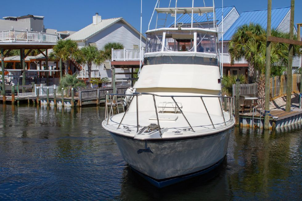 1987 Hatteras 1987 41 Convertible - Bow