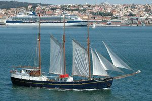 3-masted schooner  Photo 1