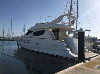 1999 Motor Yacht 75