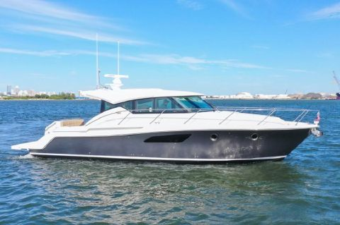 2015 Tiara 44 Coupe - Profile