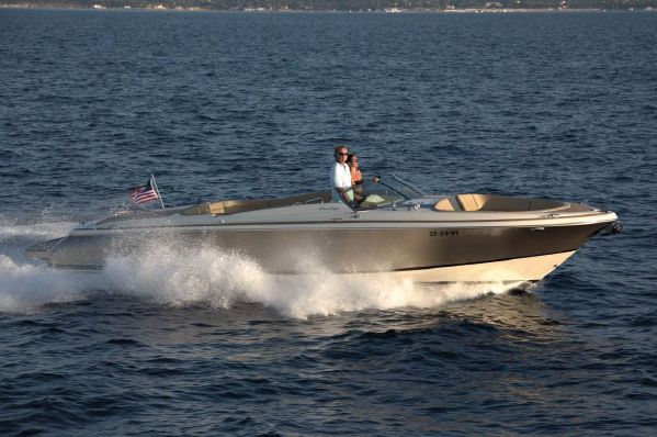 Chris-Craft Launch 32 Manufacturer Provided Image