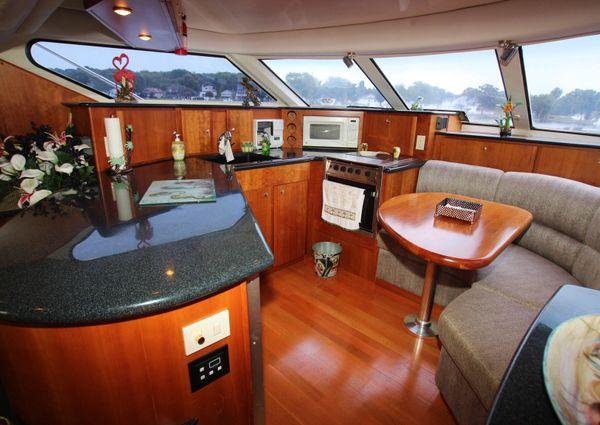 Silverton 453 Motor Yacht image