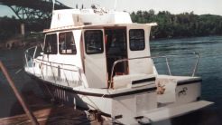 2001 Eastern 31 FlyBridge Extended Cabin