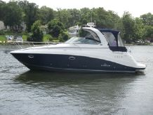2007 Rinker 330 Express Cruiser