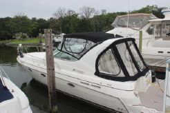 2003 Cruisers Yachts 3372
