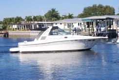 1997 Sea Ray 33 Express Cruiser