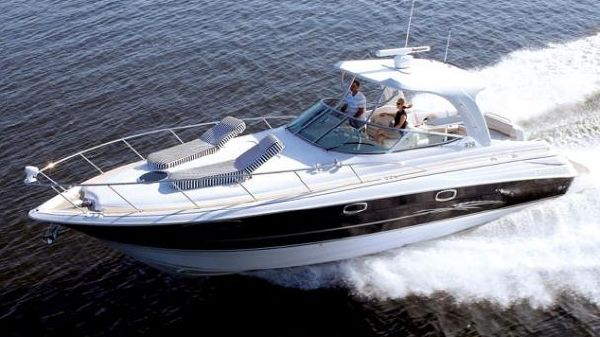 Larson Cabrio 370 Day Cruiser Manufacturer Provided Image