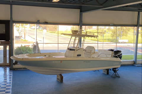 2013 Boston Whaler 270 Dauntless