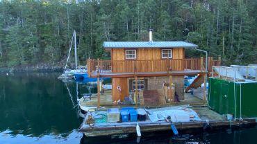 2020 Custom Houseboat 36