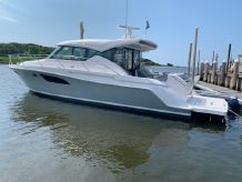 2019 Tiara Yachts 44 Coupe