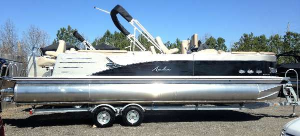 Avalon 25-27 Catalina-Quad-Lounge Com/Sbar