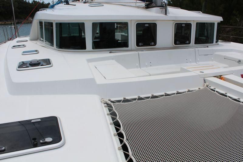 Lagoon 440 Forward Deck