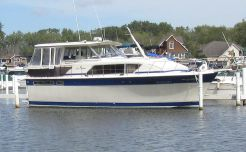 1986 Chris-Craft 410 Constellation