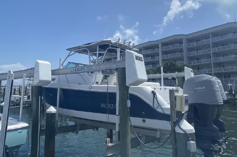 2013 Robalo 245 WALK AROUND