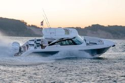 2023 Tiara Yachts 38 LX