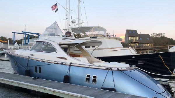 Zeelander 44 Z44 at the dock