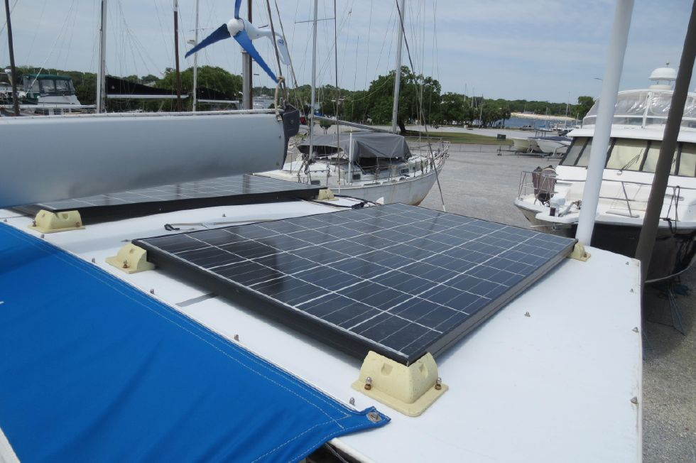1994 Bavaria 44 - Solar and Wind