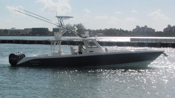 Everglades 435 CC Tower, Lift Stored, WOW