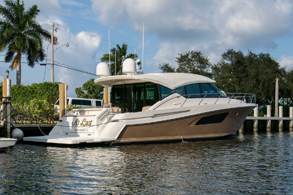 2015 Tiara Yachts 50 Coupe