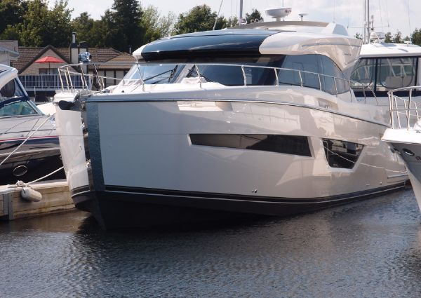 Carver 52 Coupe image