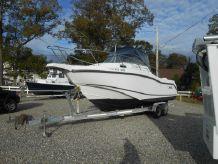 2002 Boston Whaler Conquest 255