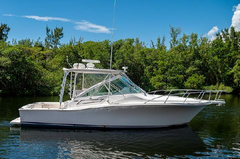 2008 Cabo Yachts 32